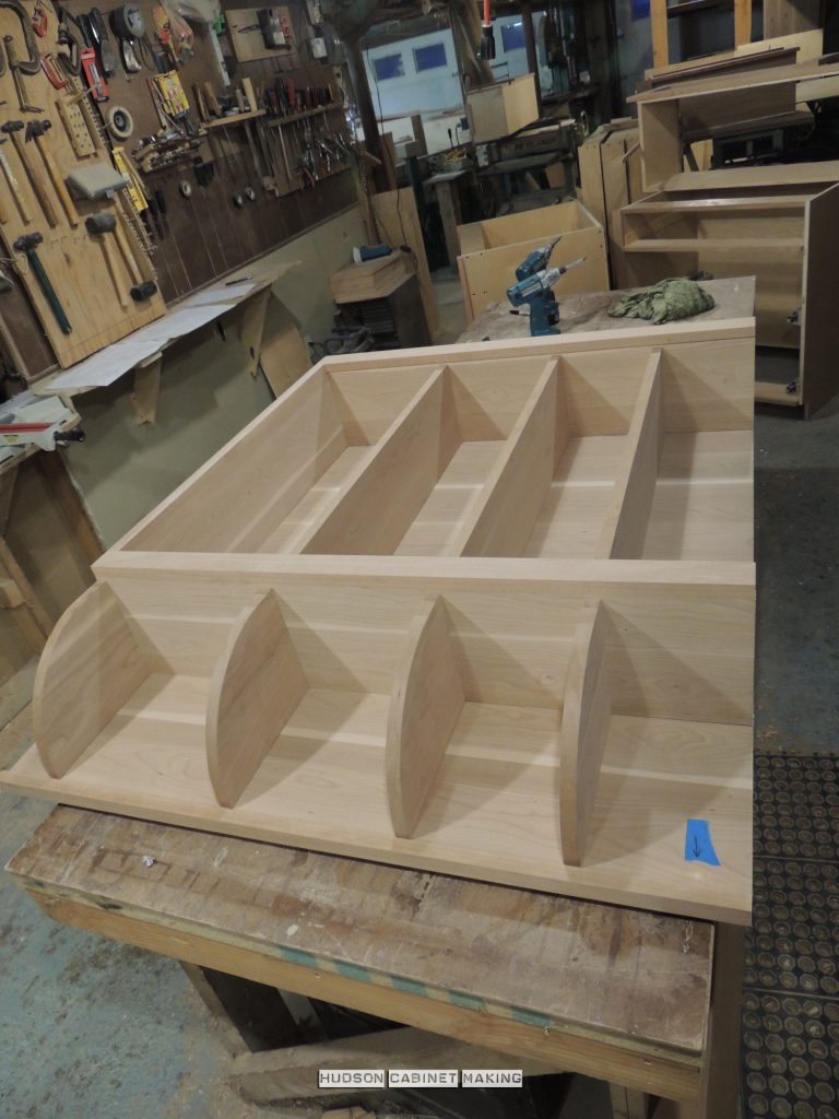 rounded-shelf-unit-in-shop